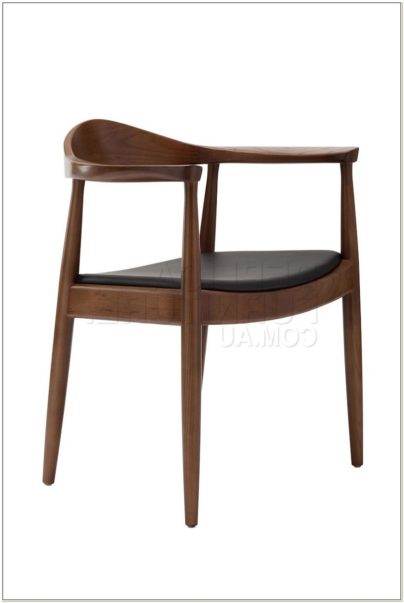 Hans Wegner Round Chair Walnut