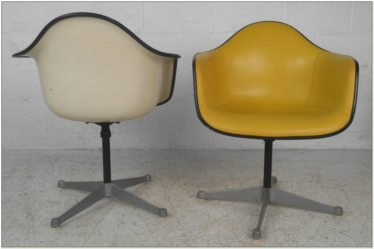 Herman Miller Eames Bucket Chair