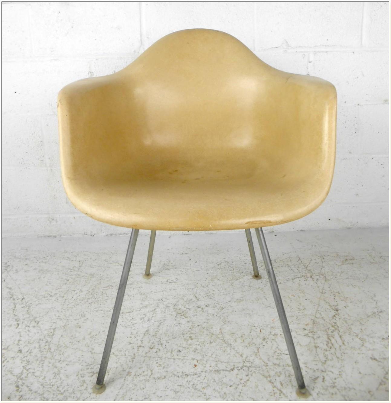 Herman Miller Eames Fiberglass Shell Chair