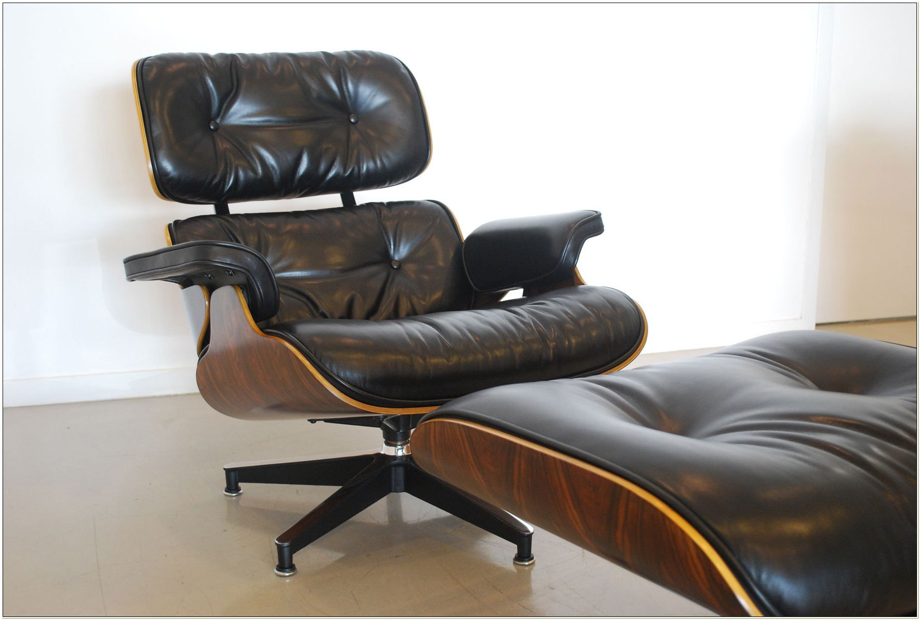 Herman Miller Eames Lounge Chair Used