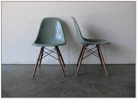 Herman Miller Eames Shell Chair Dowel Base
