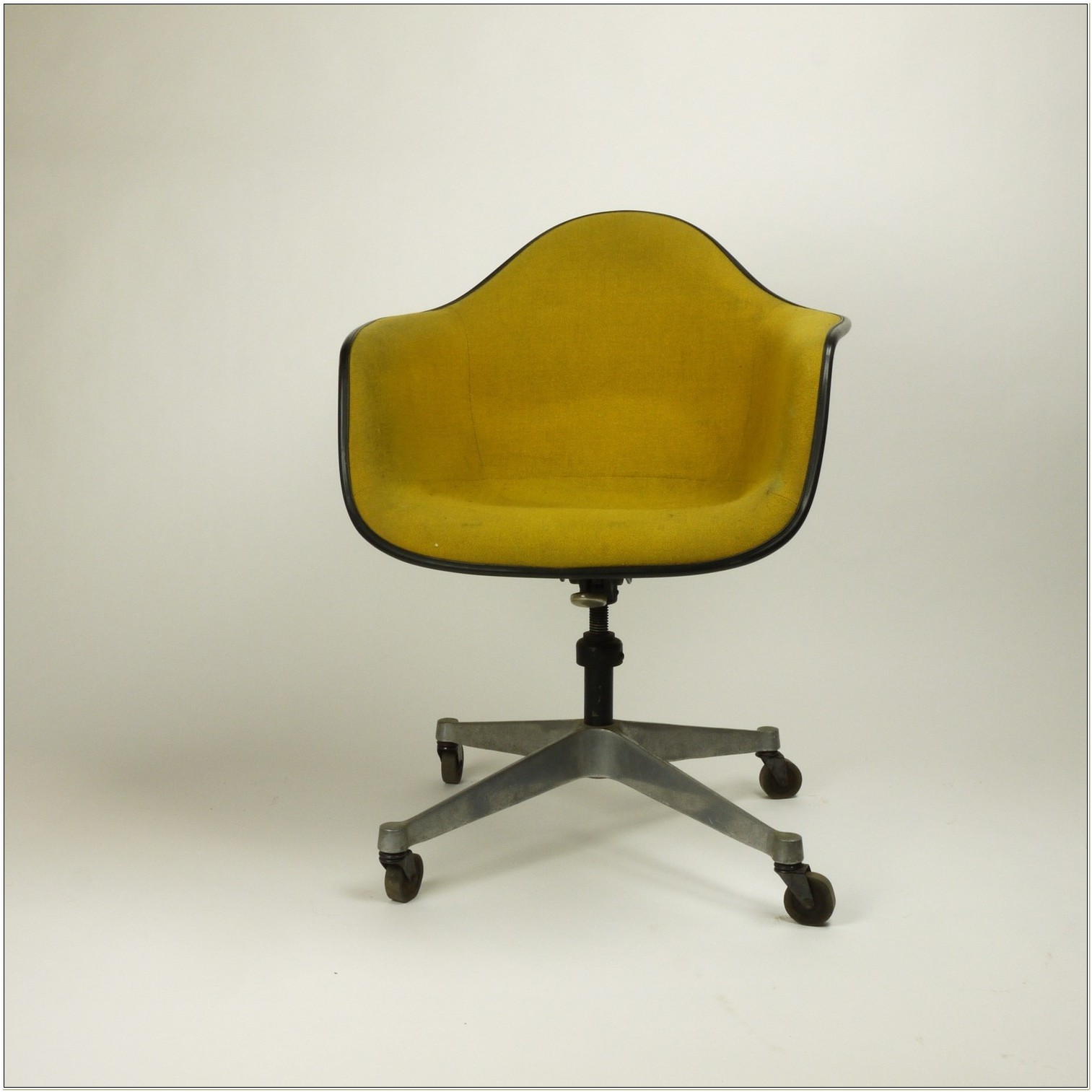 Herman Miller Old Office Chairs