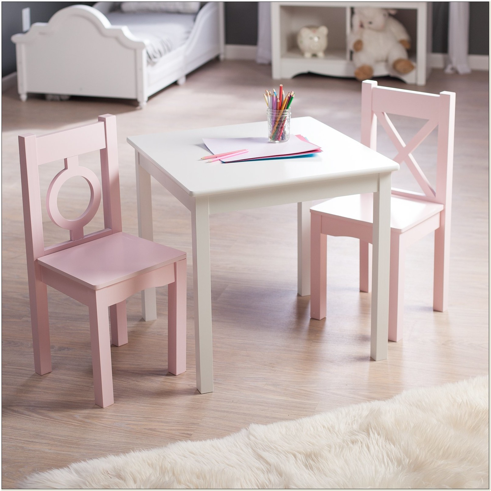 Lipper Toddler Table And Chair Set