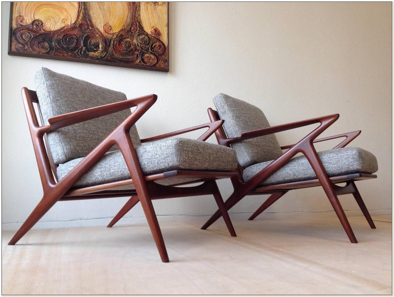 Mid Century Z Lounge Chair