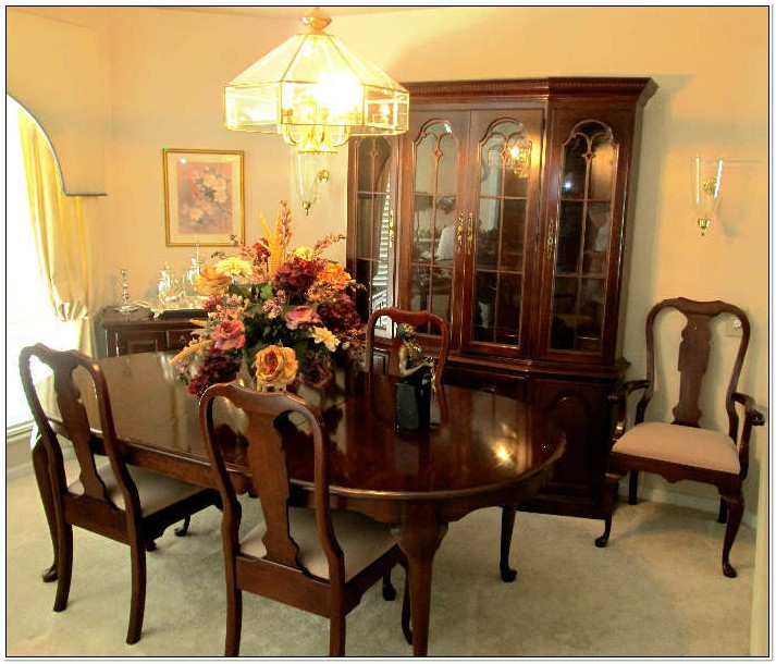 Pennsylvania House Dining Room Set Used