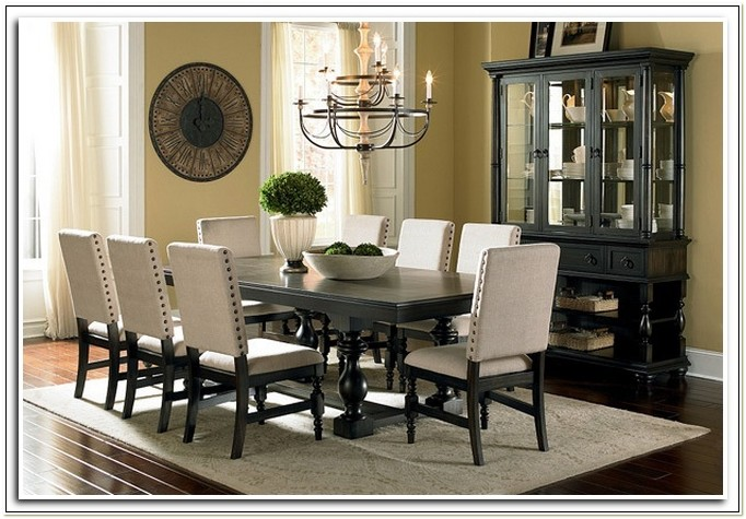 Raymour And Flanigan Dining Chairs