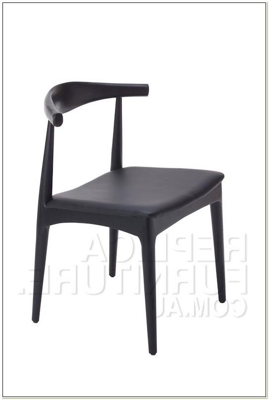 Replica Hans Wegner Elbow Chair Black