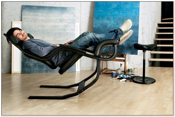 Stokke Boasts Zero Gravity Chair