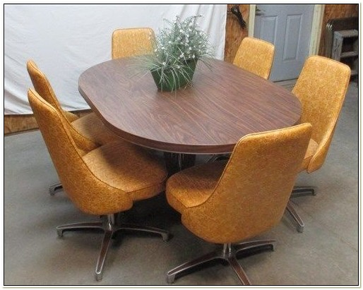 Vintage Chromcraft Table And Chairs