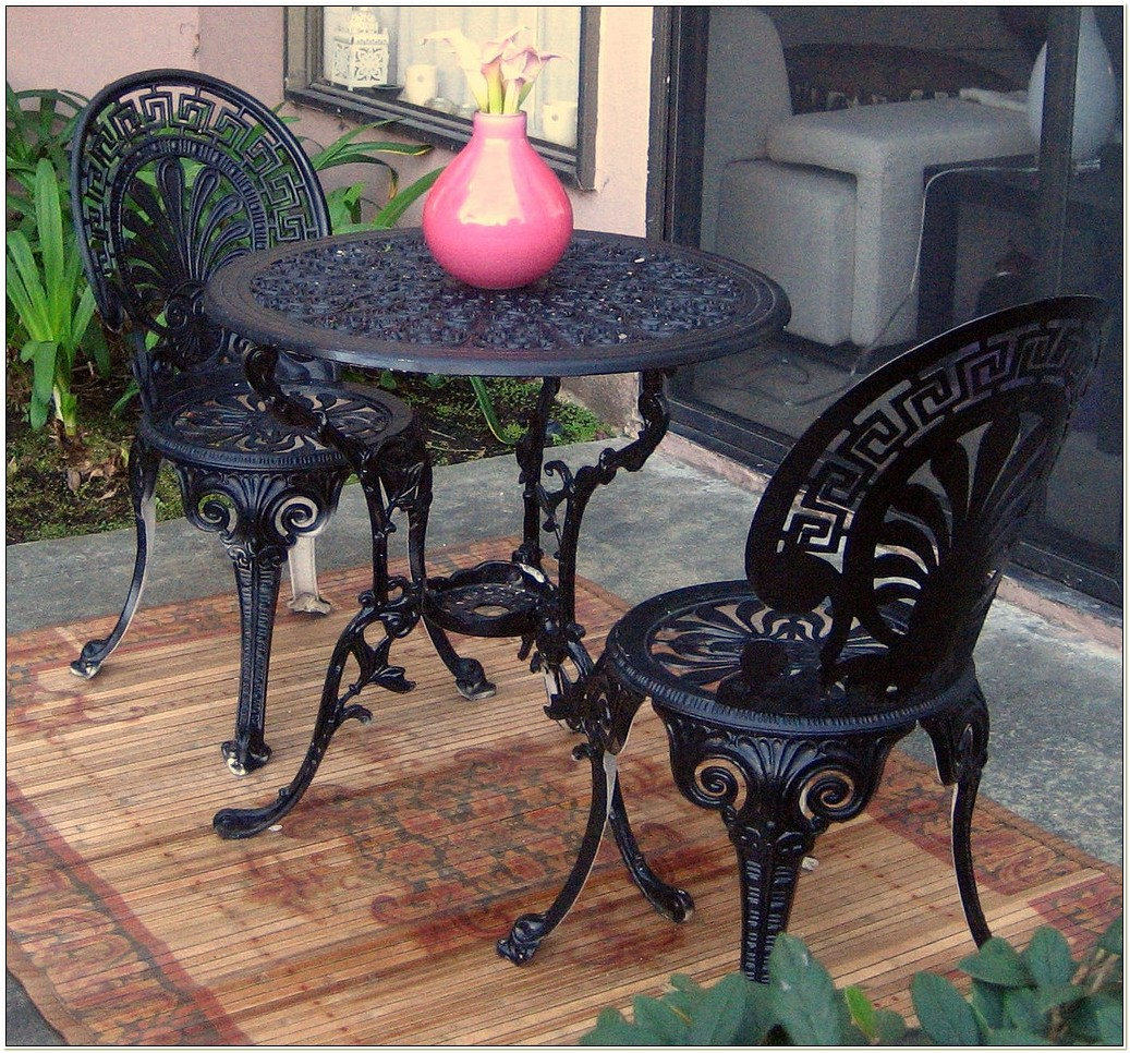 Wrought Iron Cafe Table And Chairs