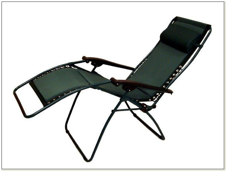 Zero Gravity Padded Reclining Patio Lounge Chair