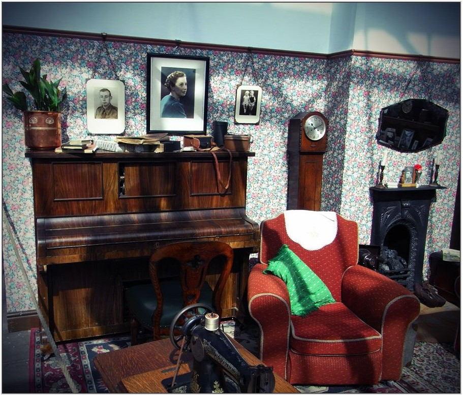 1940s Living Room Decor