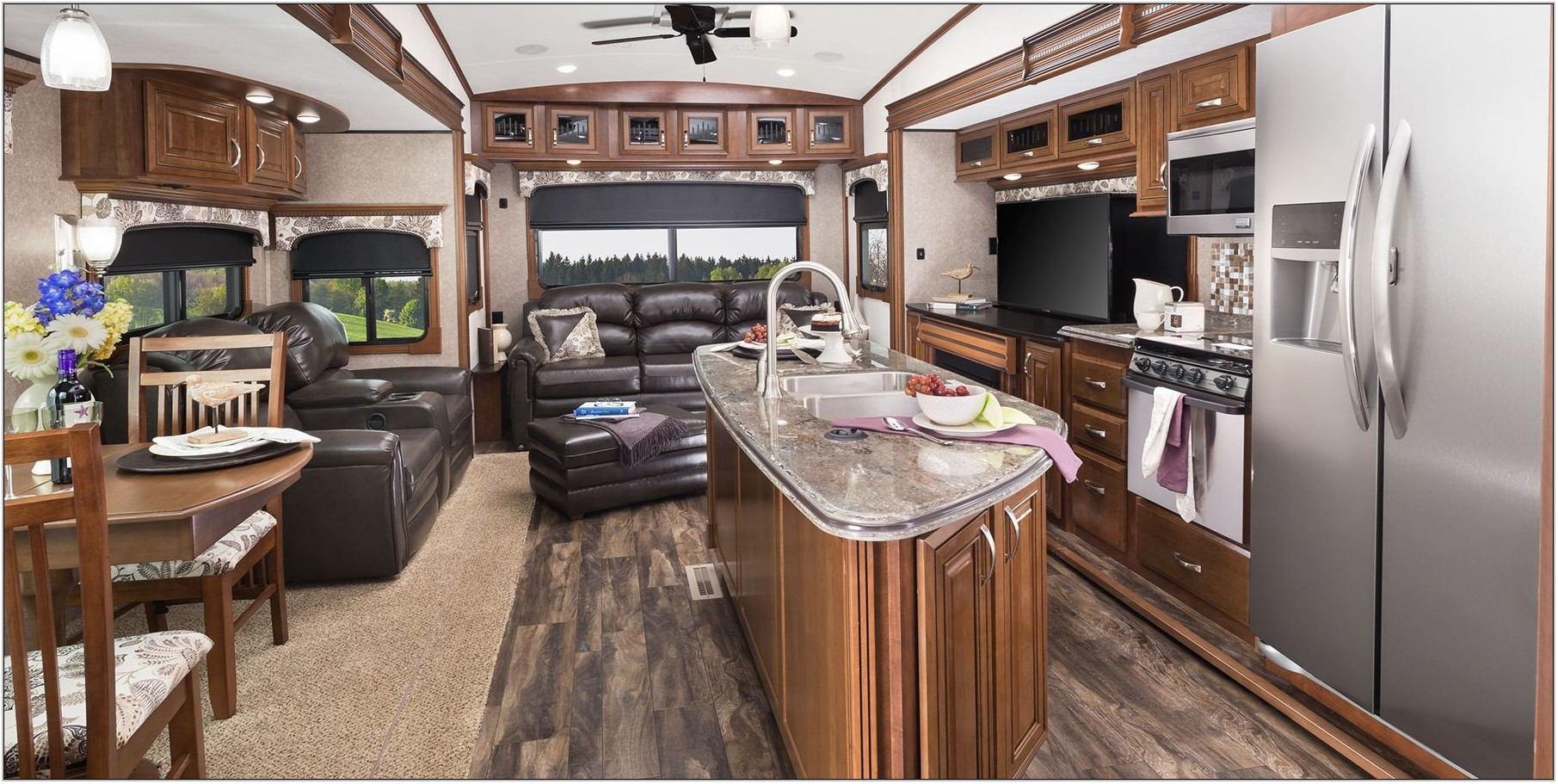 2016 Luxury Front Living Room 5th Wheel