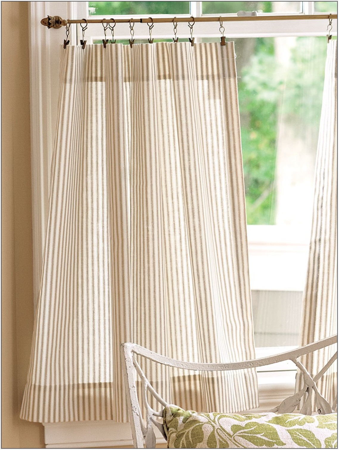 Cafe Curtains In Living Room