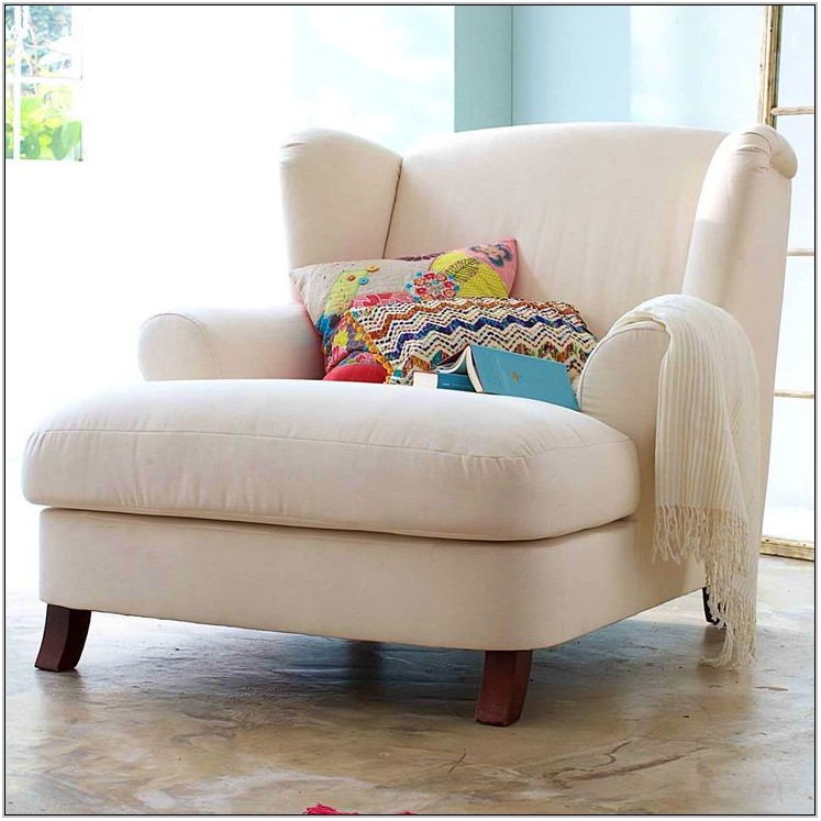 Comfortable Chairs For Small Living Room