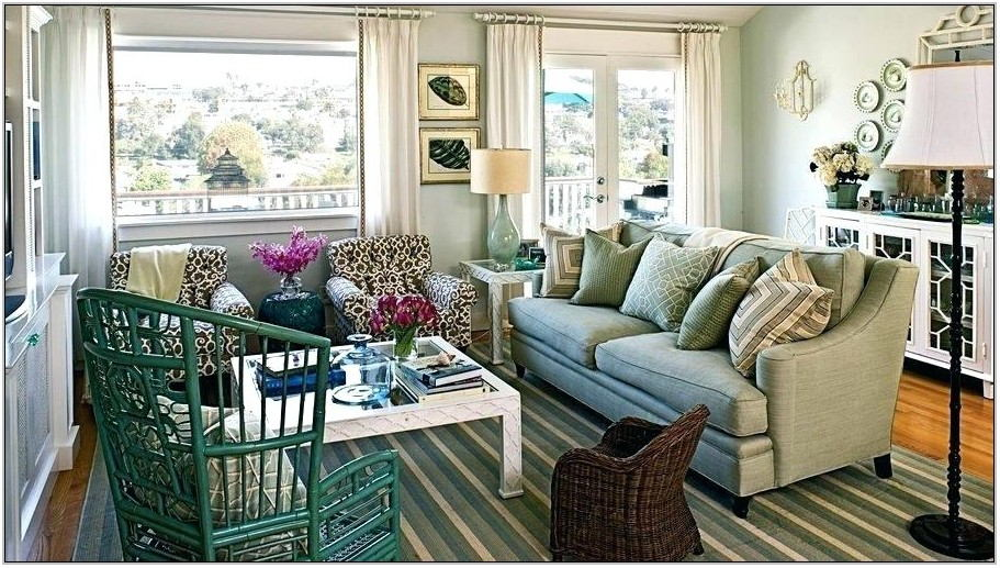 Cottage Living Room Chairs