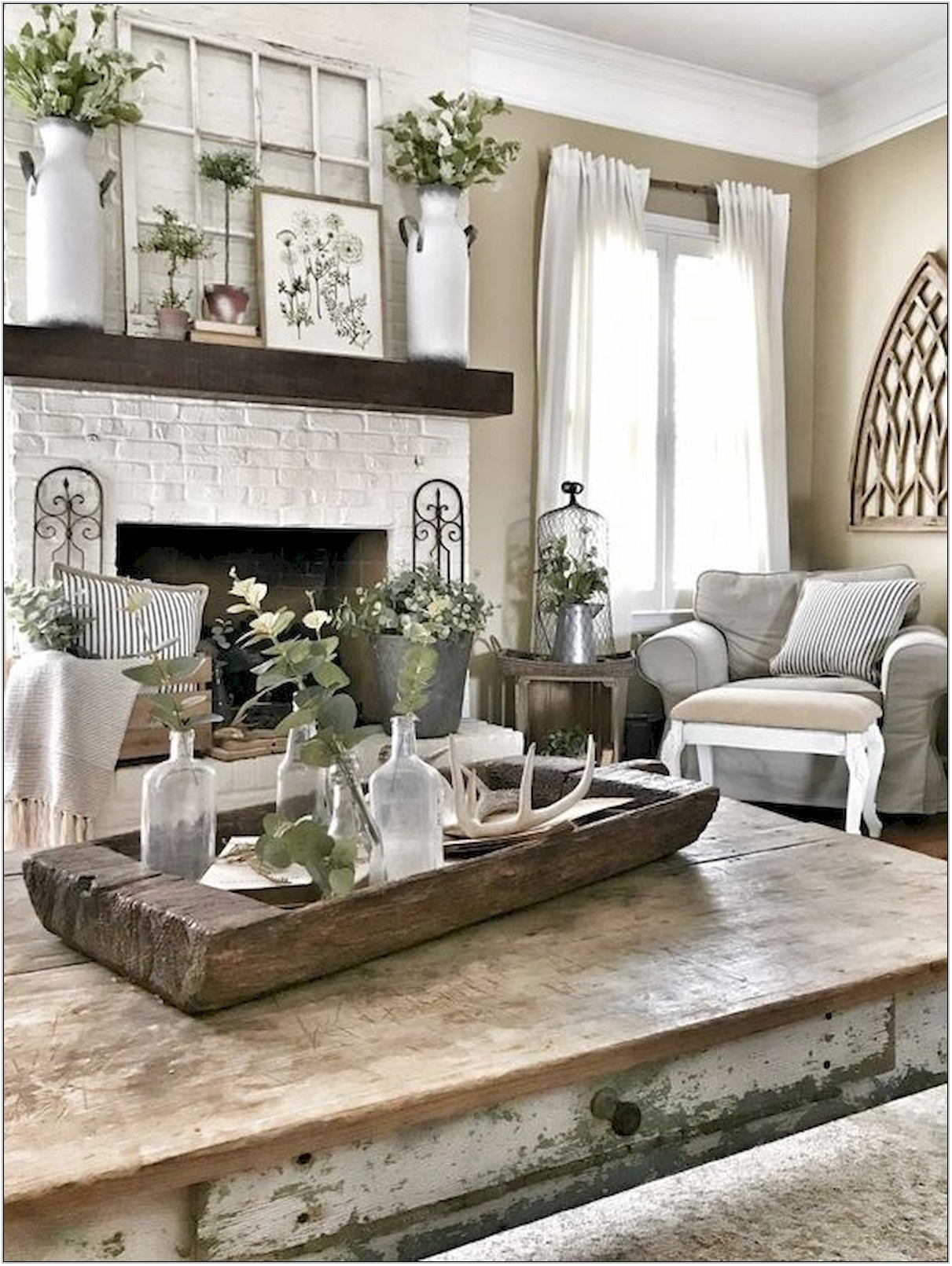 Farmhouse Living Room Wall Decor Ideas