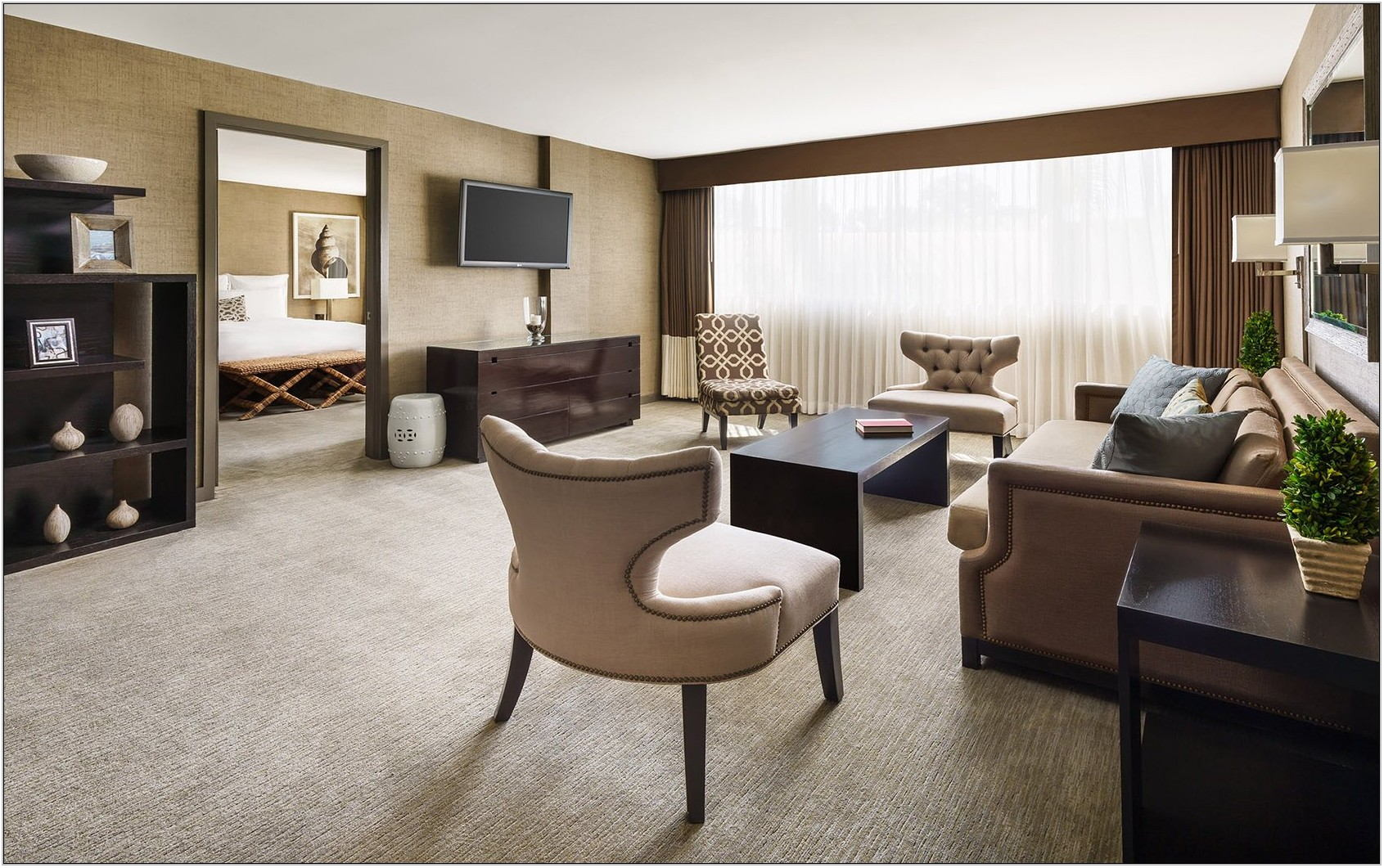 Hotels With Living Room And Bedroom