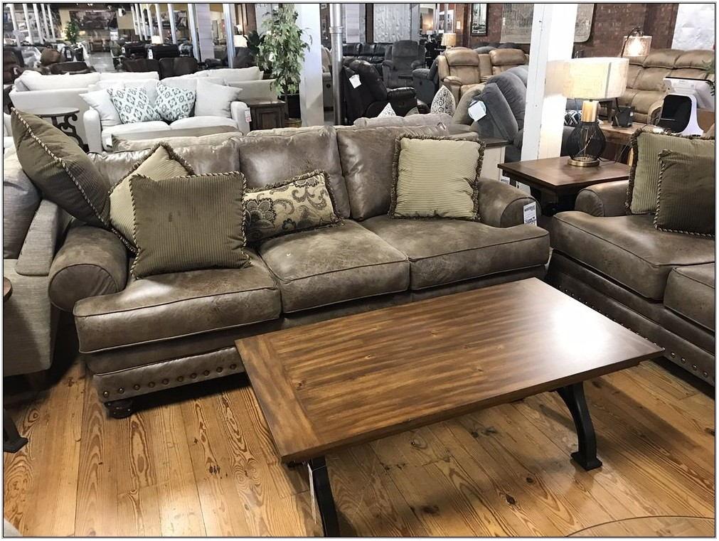 Huck Finns Living Room Furniture
