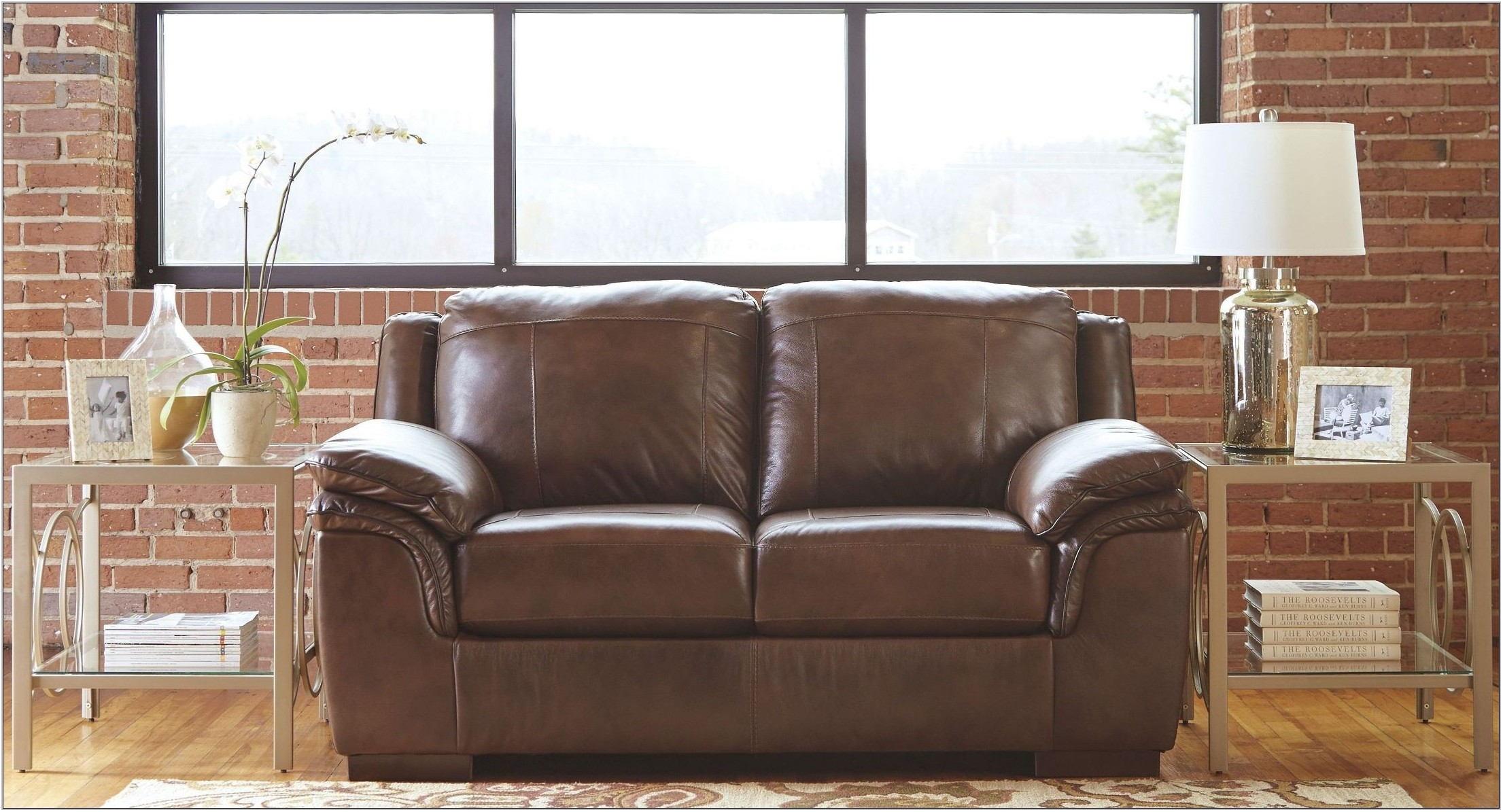 Islebrook Canyon Living Room Set