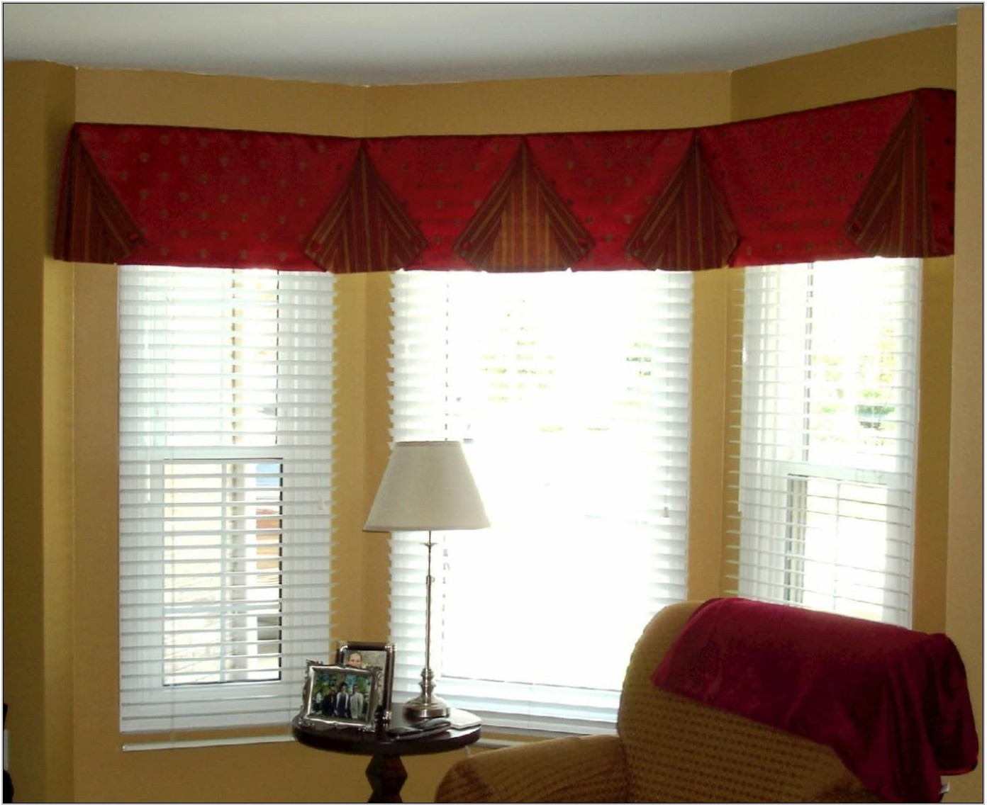 Living Room Valances Ideas