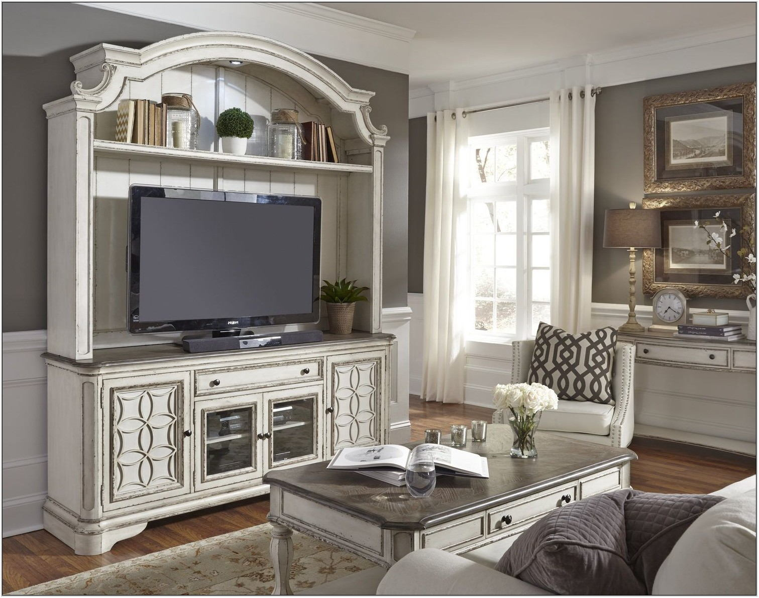 Magnolia Manor Living Room Furniture