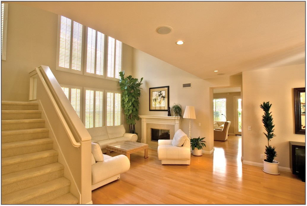 Pictures Of Living Rooms With Hardwood Floors