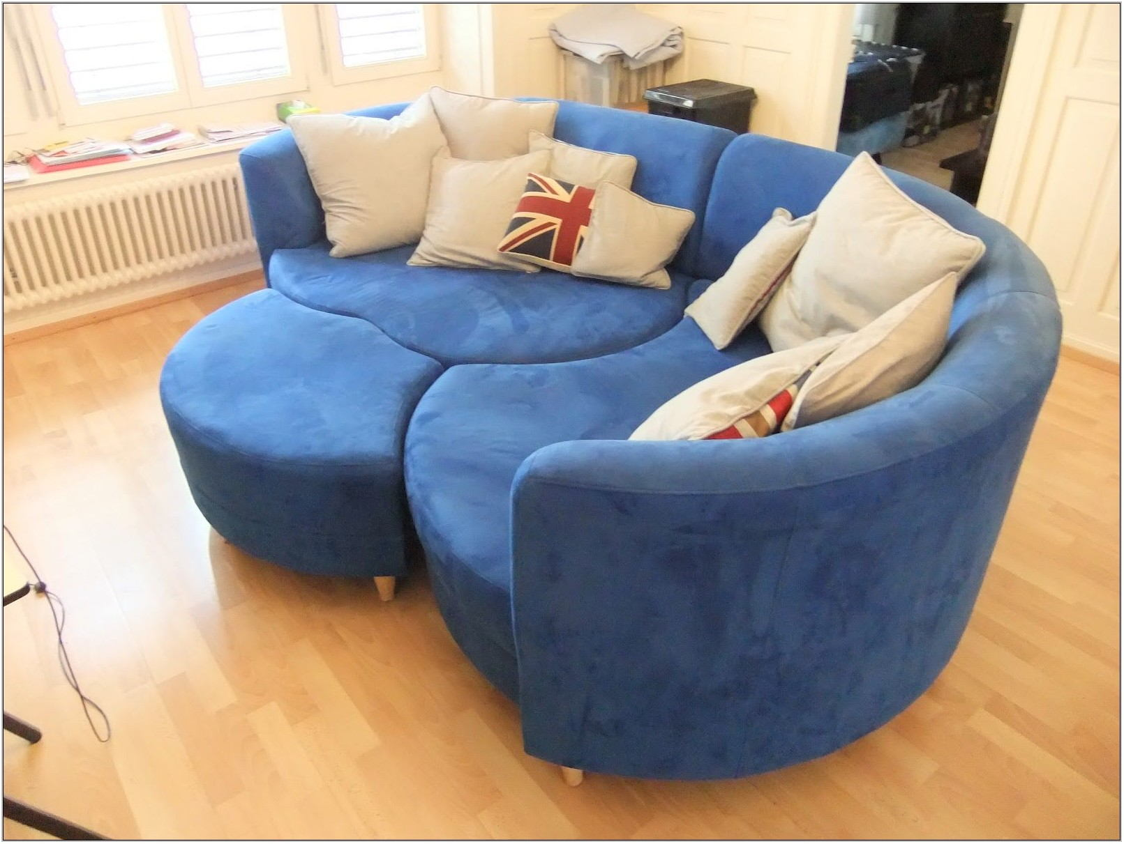 Round Living Room Couches