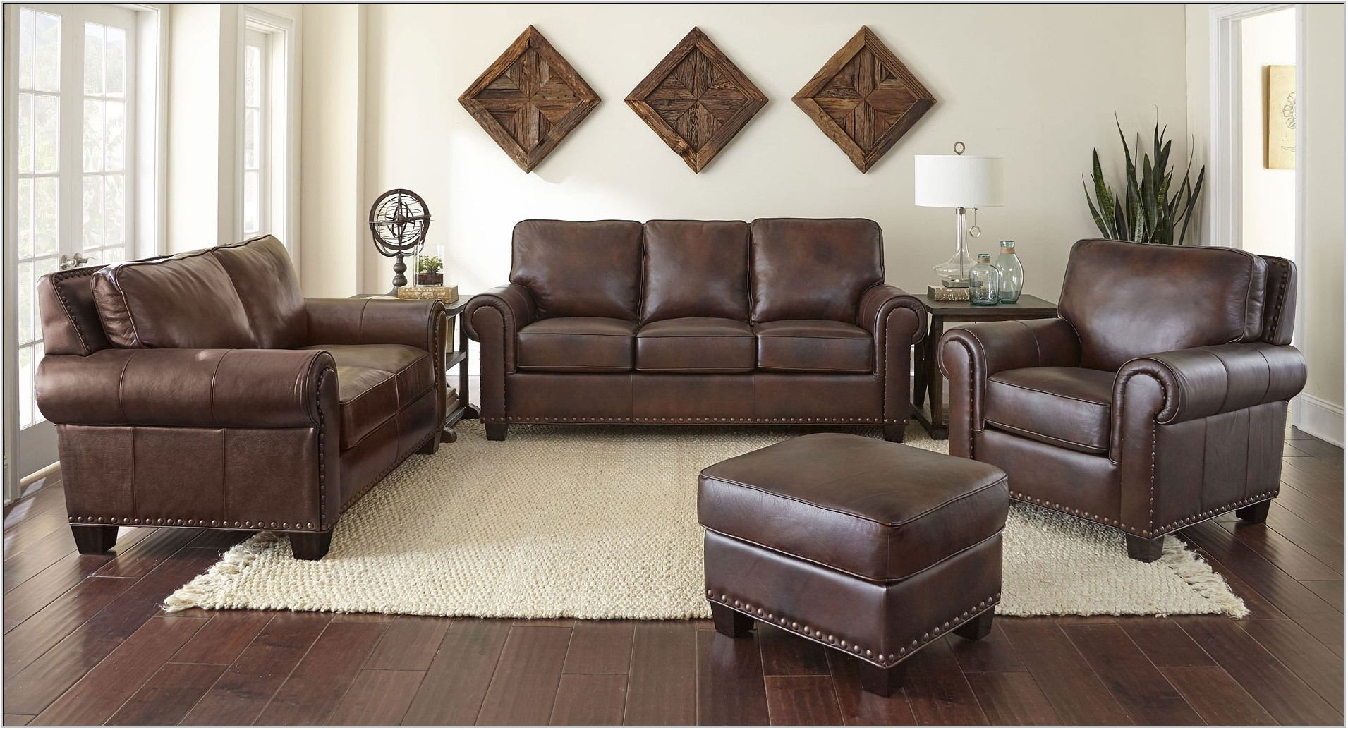 Steve Silver Living Room Furniture