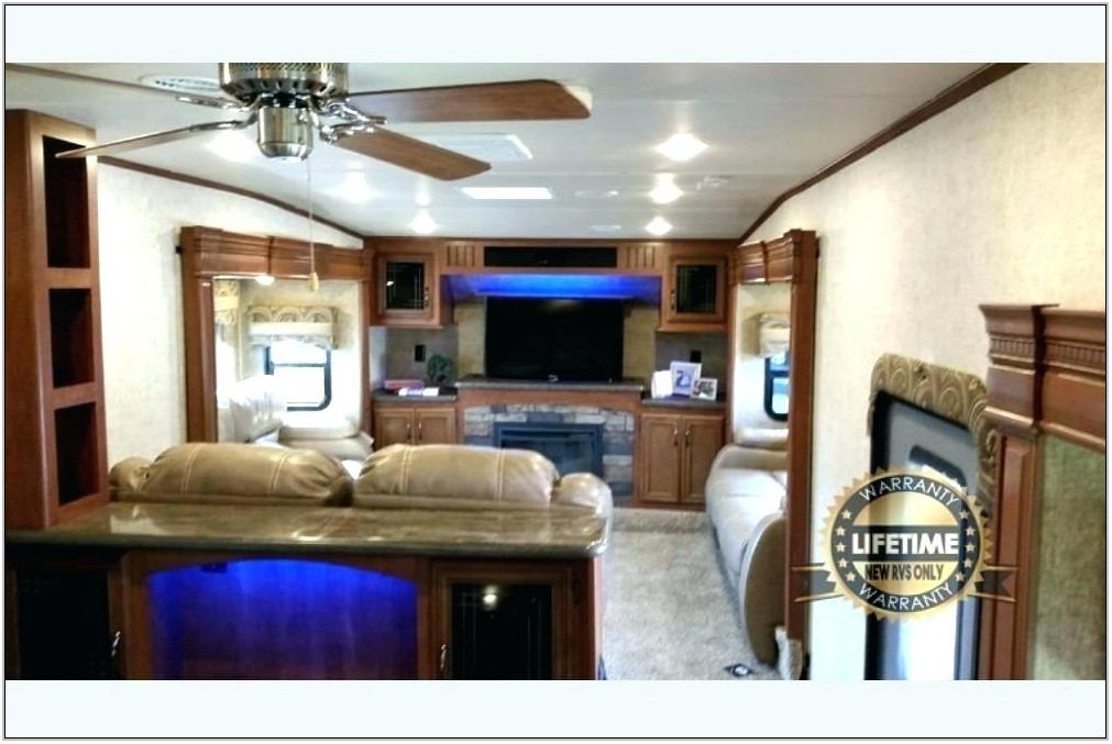 Used Montana 5th Wheel Front Living Room
