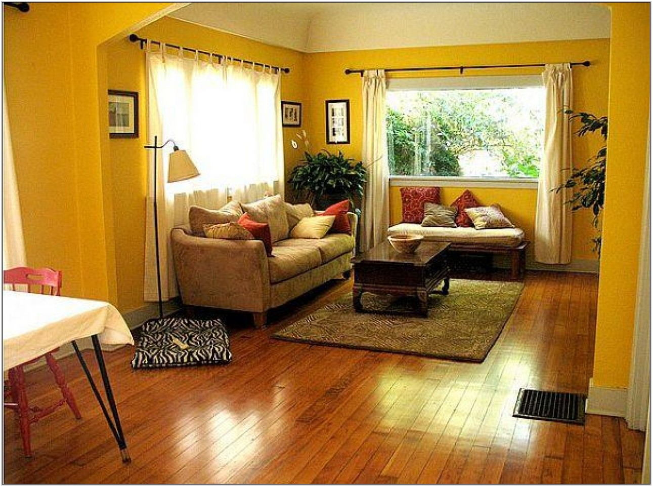 Yellow Walls Living Room Ideas