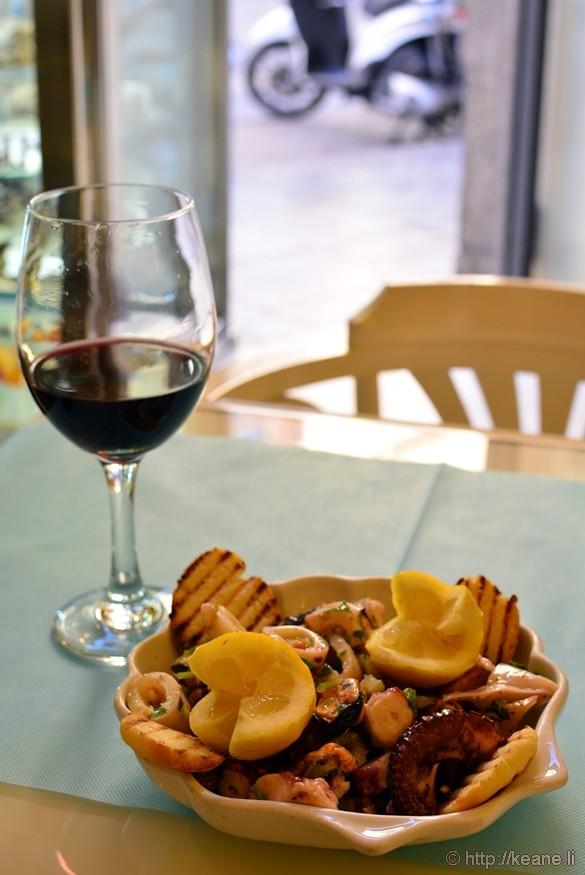 L'insalata di frutti di mare at Bar Touring in Palermo