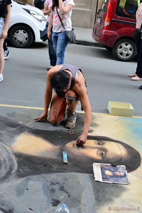 Street Artist Depicts the Mona Lisa in Florence