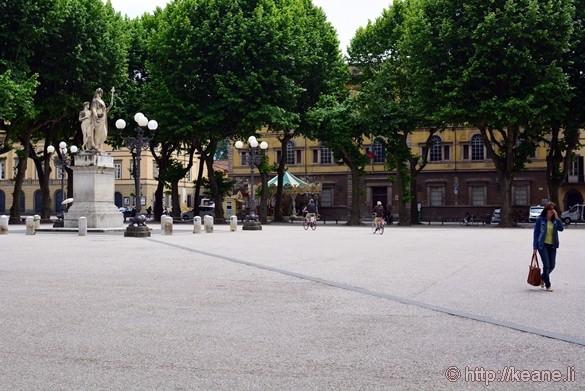 Lucca - Piazza Napoleone