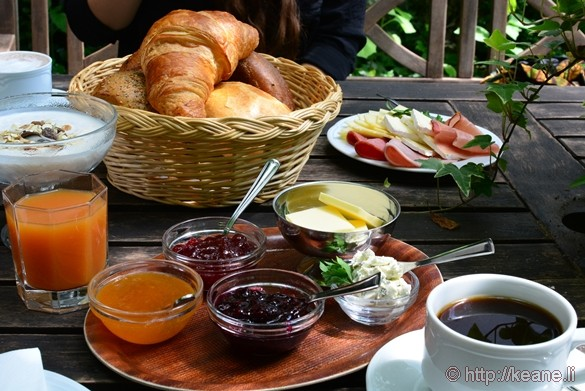 Breakfast at Das Kleine Cafe in Alsfeld, Germany