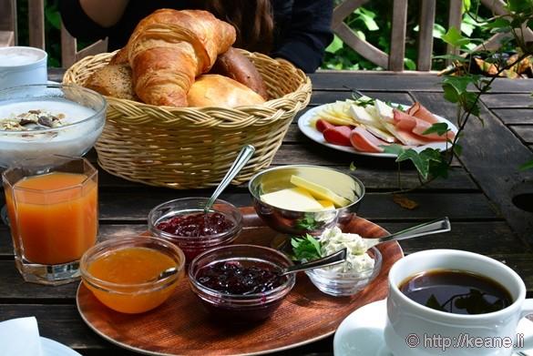 Breakfast at Das Kleine Cafe in Alsfeld, Germany