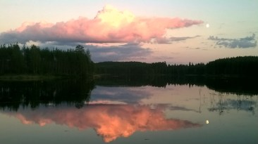 Auringonlasku Repoveden Ketunlossilta kuvattuna
