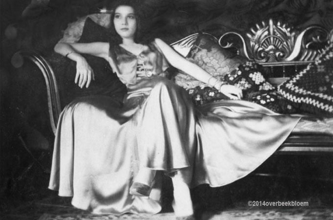 Lolo Overbeek Bloem Dutch East-Indies 1930's