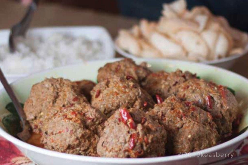 Bebotok - stewed Indonesian meatballs
