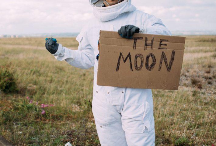 Astronauts: how to become one of them! | Astronautas: como convertirse en uno!