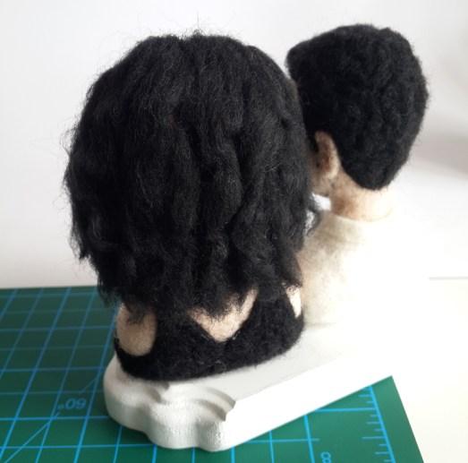 keçe iğneleme dalgalı saç yapımı