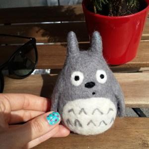 Totoro 11 cm yün biblo