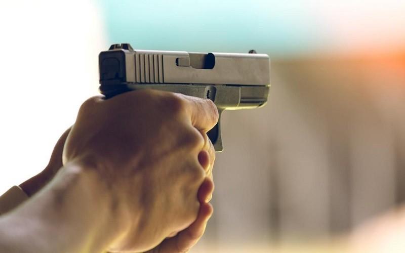 رصاصتان توقفان 4 أشخاص عرضوا الشرطة لإعتداء خطير ببني ملال