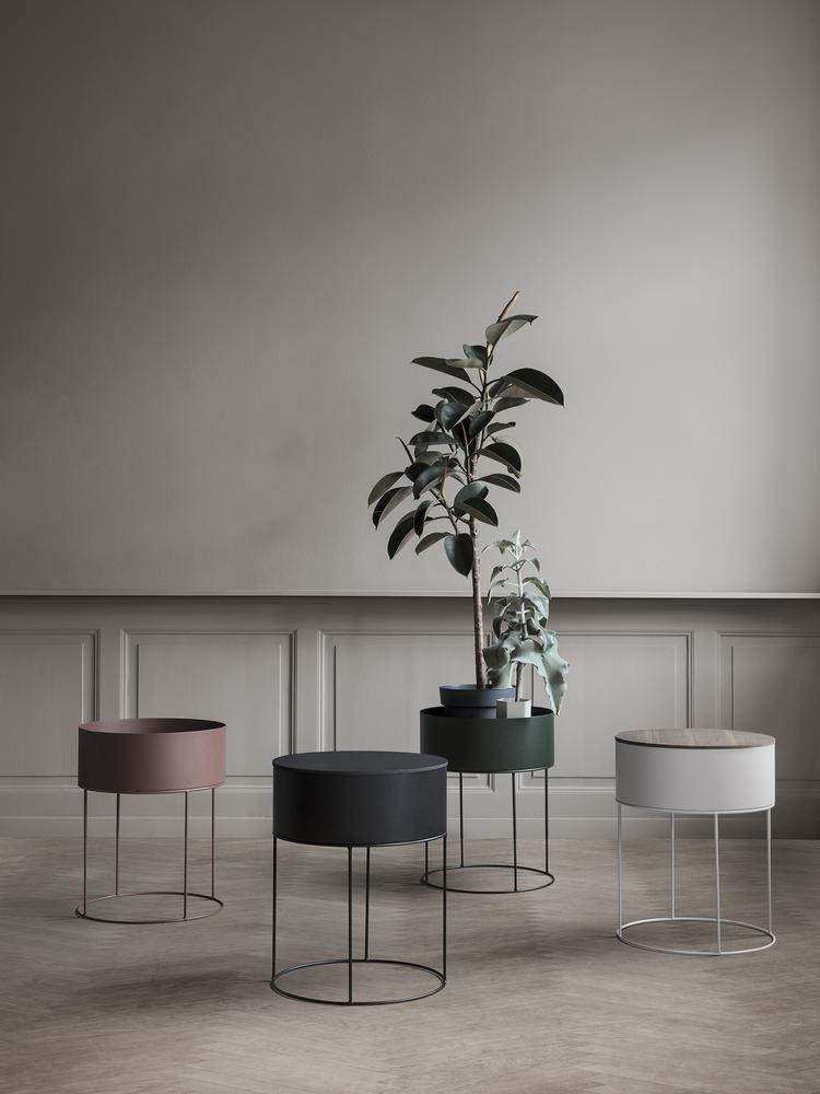 Plant box round black