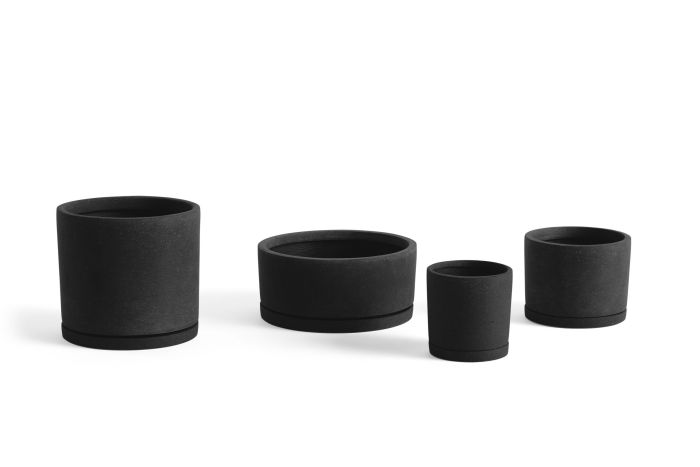Plant pot with saucer L black