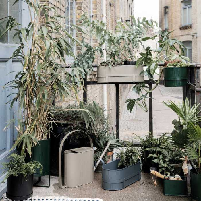 Ferm Living Bau Balcony Box Dark Green