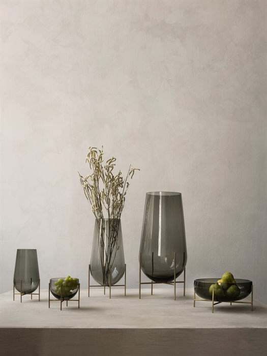 Menu Echasse Vase S Smoke Glass/Brushed Brass