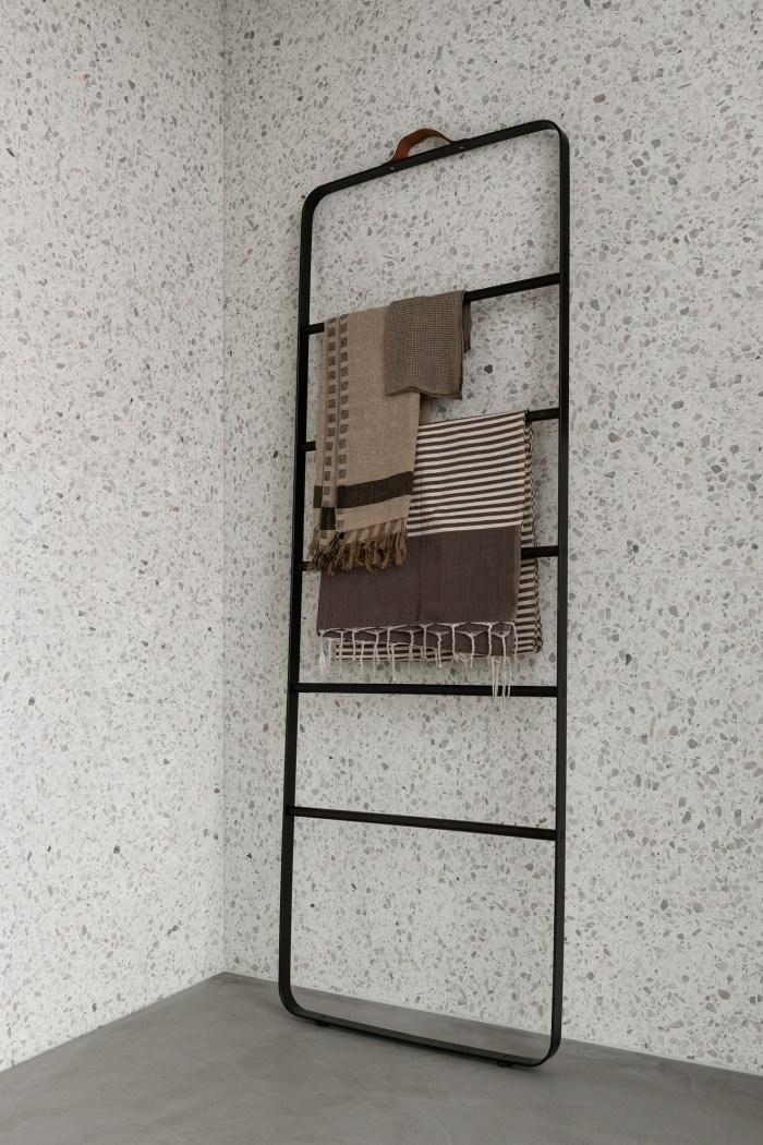 Menu Towel Ladder White/Light Ash