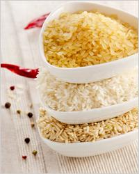 Boulettes de viande hachées avec du riz dans une mijoteuse