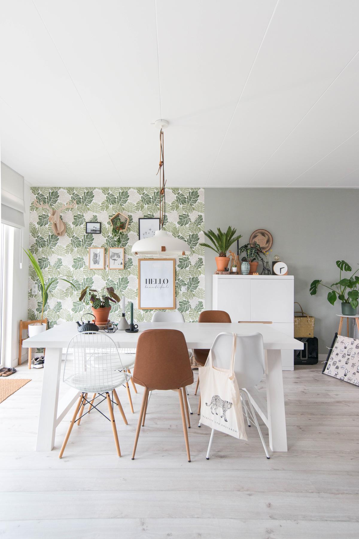 keeelly91 blogger makeover interior interieurinspiratie woonkamer diningroom eetkamer zuiver urbanjungle wallpaper huis planten behang